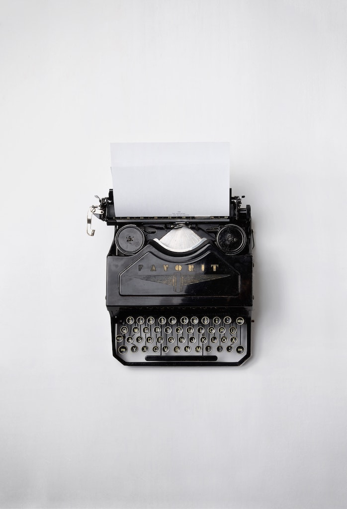 black typwriter
